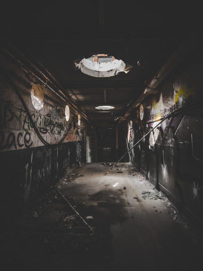 abandoned-building-dark-1224859.jpg