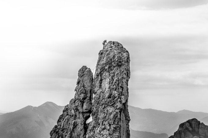 adventure-cliff-climb-303039.jpg