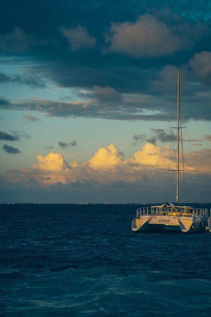 beach-boat-clouds-1802146.jpg