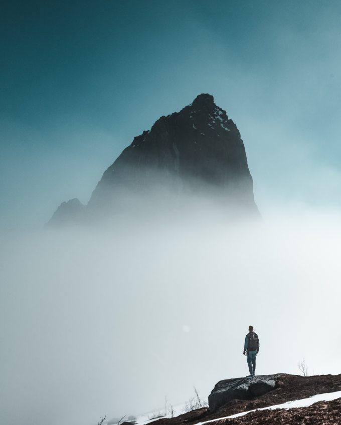 action-adventure-cliff-2334533.jpg