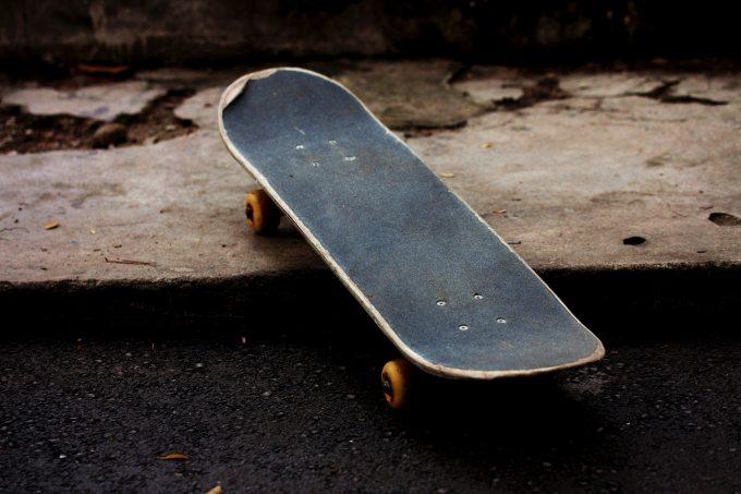 pavement-skateboard-sport-165236.jpg